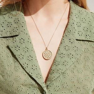 Jewelry - Trendy Gold Sun Necklace